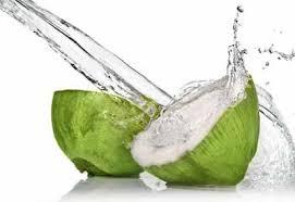 Manfaat dari air kelapa muda